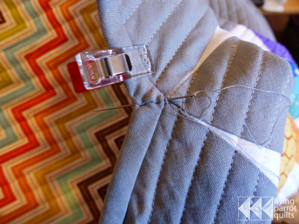 Binding Inside Corners Tutorial|Flying Parrot Quilts